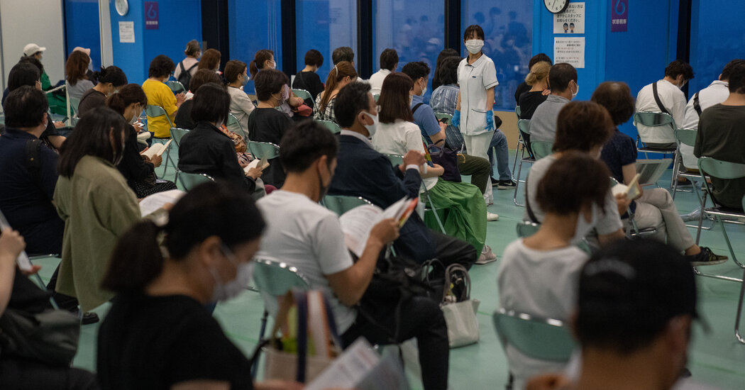 Japan Halts 1.6 Million Doses of the Moderna Vaccine Over Contamination Worries