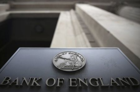 The 1.9 Million Reasons the BOE Will Echo Fed's Rate Patience