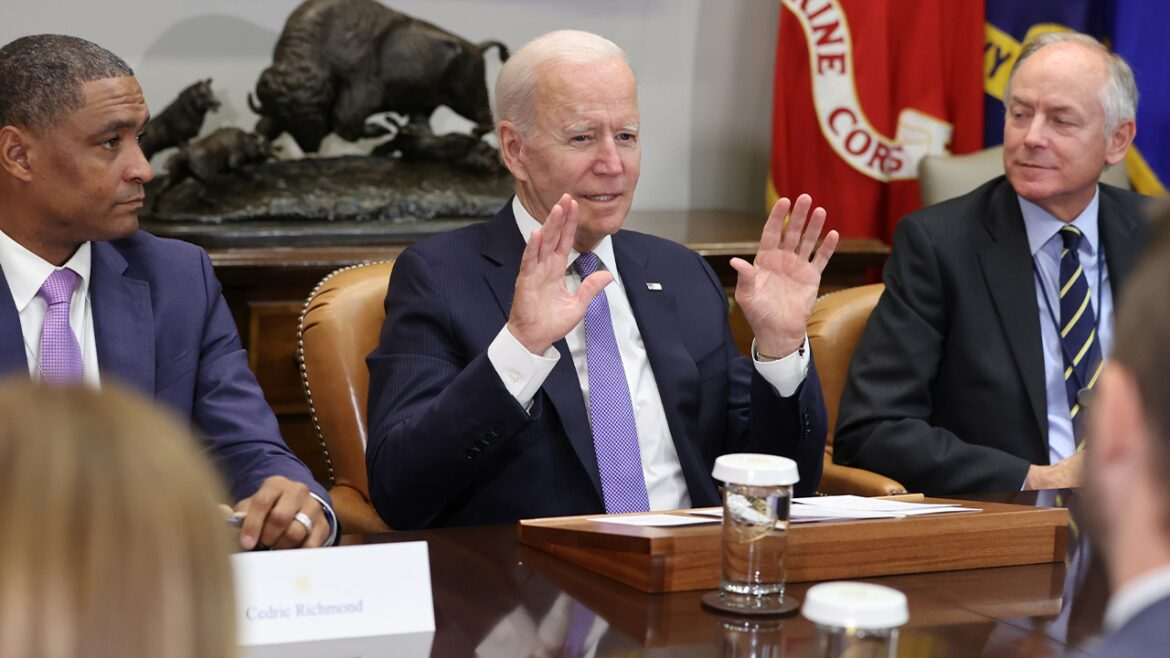 Biden falsely claims the US does not have troops in Syria