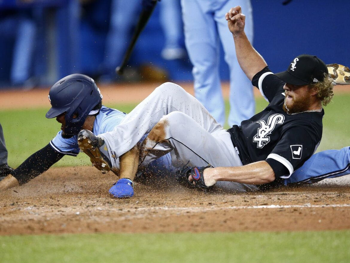 Blue Jays hand White Sox 3rd loss in row