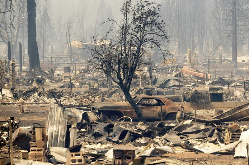 Town burns to ashes in raging Northern California wildfire