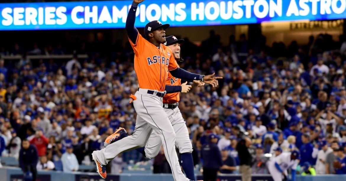 Dodgers fans finally get to voice their anger in person at cheating Astros