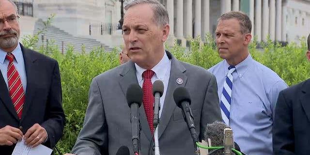 House Republicans call for Afghanistan accountability and demand Biden resign