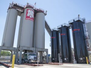 Illinois Attorney General Raoul looking into odor complaints around Chicago asphalt plant