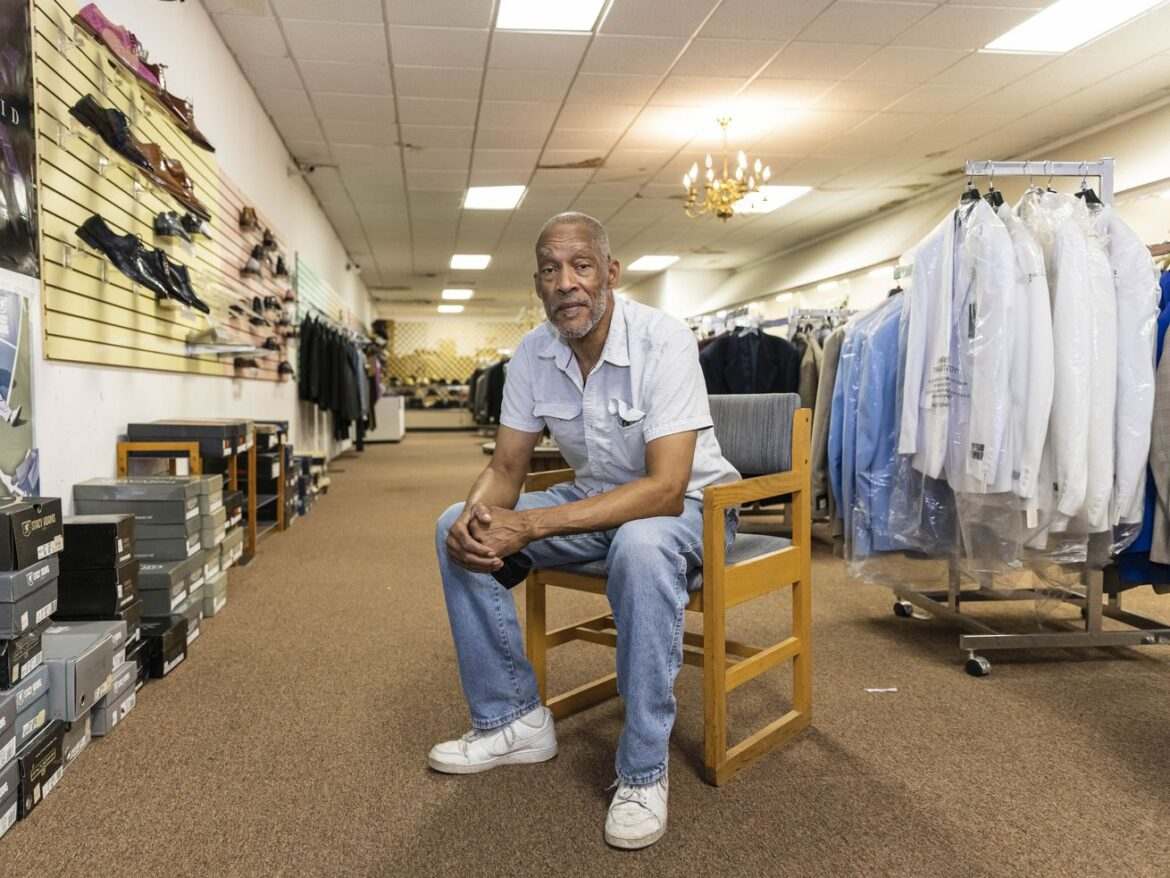In Roseland, once-bustling South Michigan Avenue has faded amid crime, disinvestment