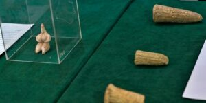 Iraq gets back looted ancient artifacts from US, others