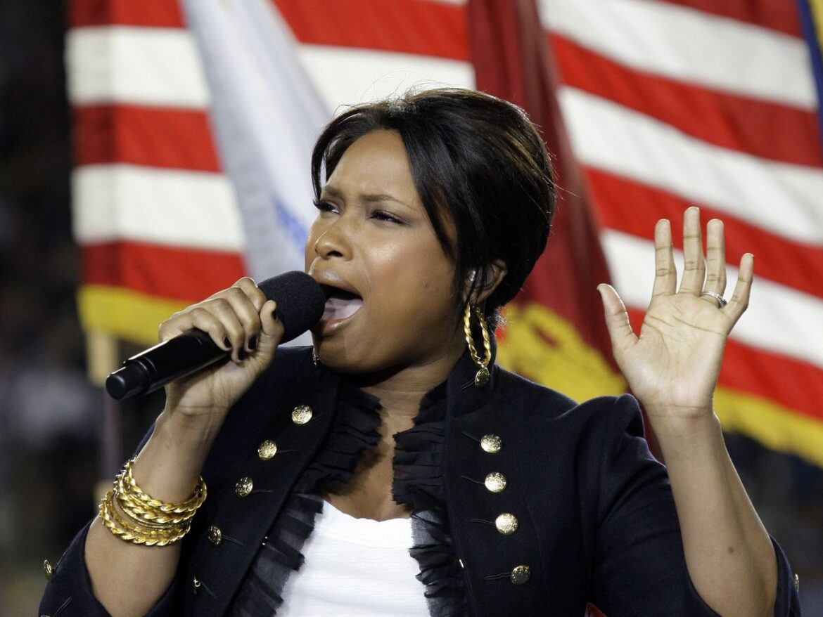 Jennifer Hudson 'would love to sing' at a White Sox World Series