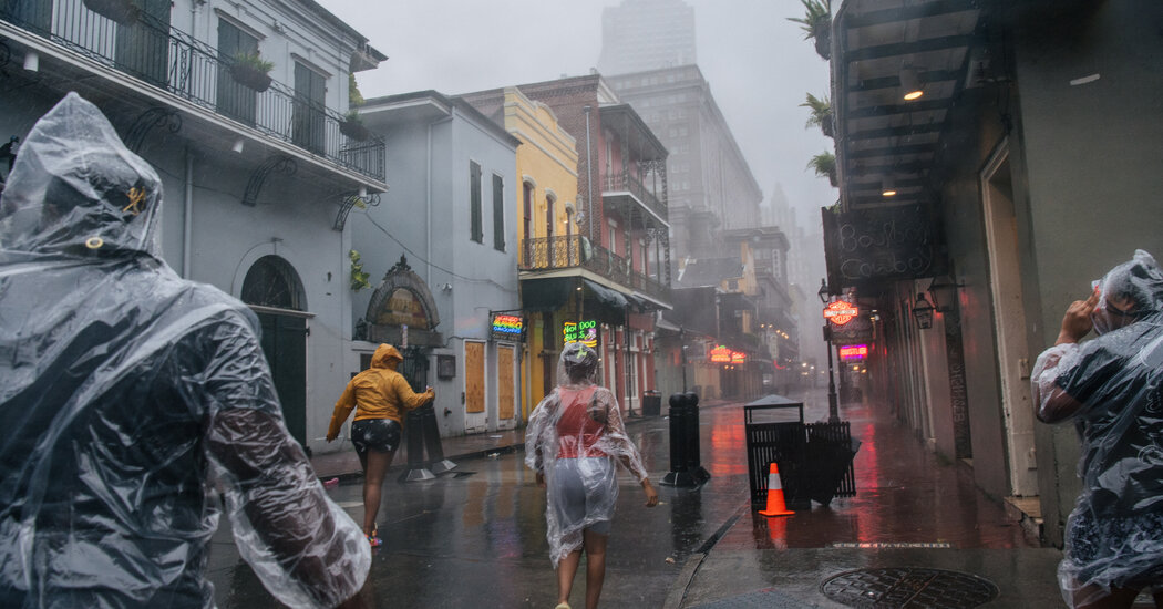 In New Orleans, Anxiously Watching the Levees As Hurricane Ida Arrives