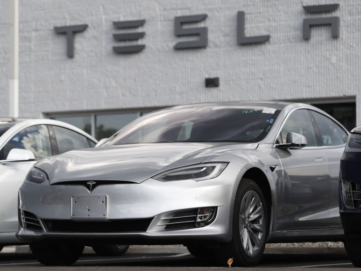 More Tesla troubles: U.S. safety agency investigating Autopilot problems on 765,000 vehicles