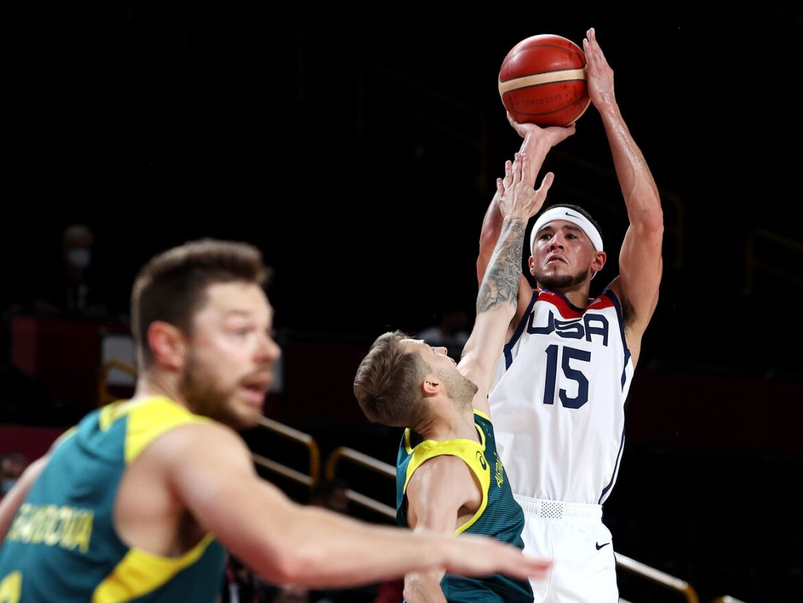 U.S. men's basketball team advances to gold-medal game after rout of Australia