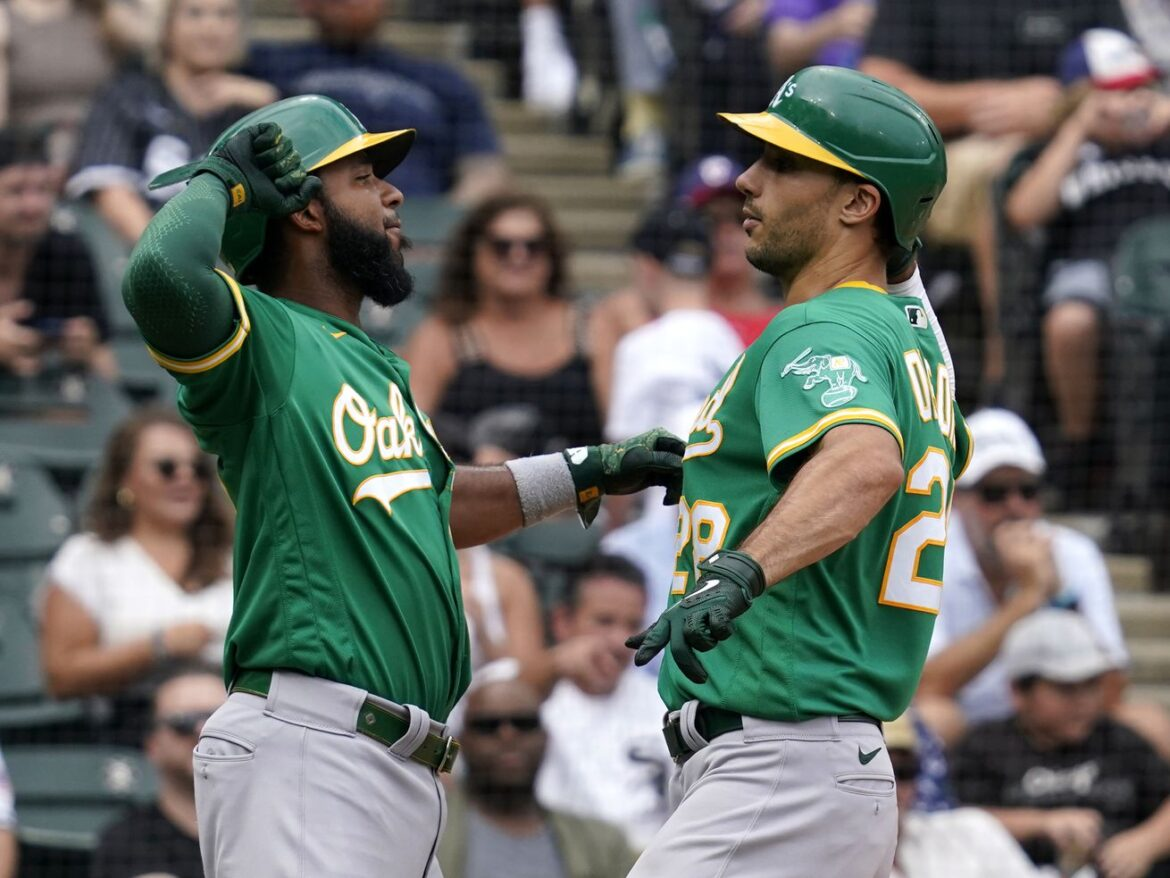 White Sox fall short in bid for four-game game sweep of A's