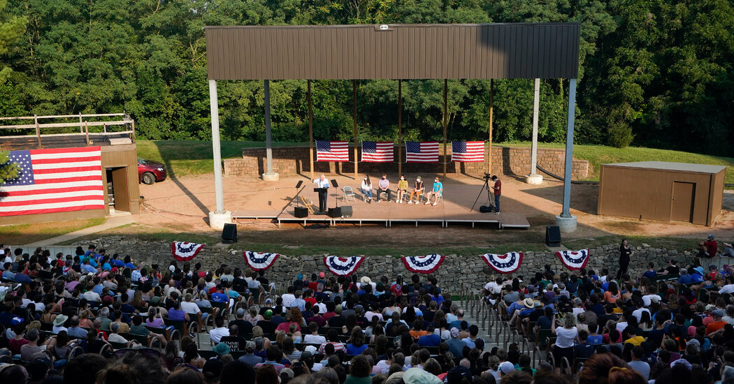 Back on the Trail, Sanders Campaigns for a Legislative Legacy