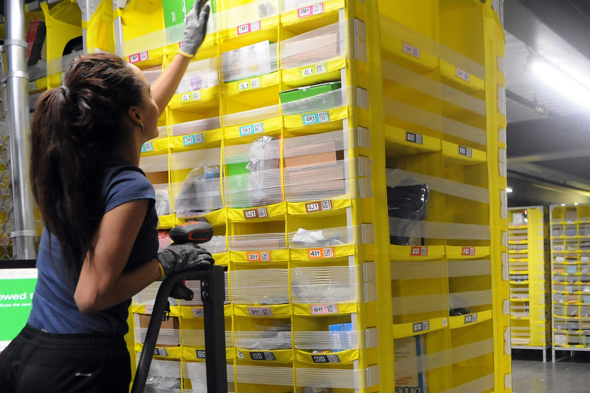 Amazon boosts starting hourly wage to $18 amid ongoing hiring rush