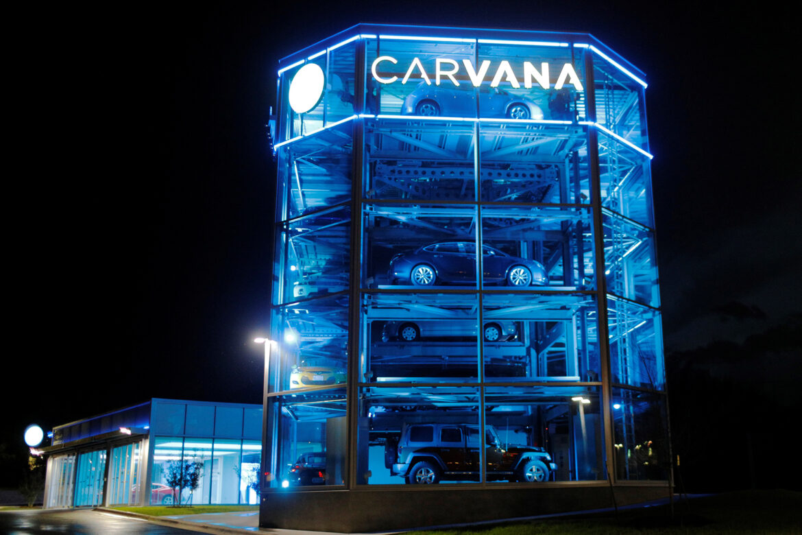 Carvana CEO's dad goes on $3.6B stock selling spree, raising eyebrows