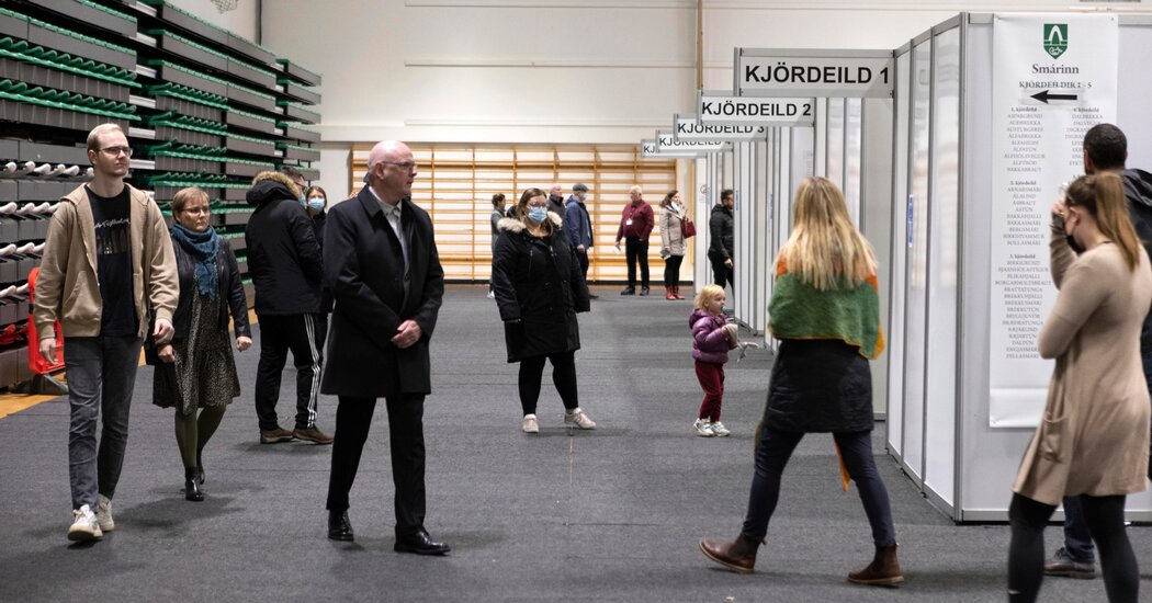 Icelanders Vote in Volatile Election With Climate in Mind
