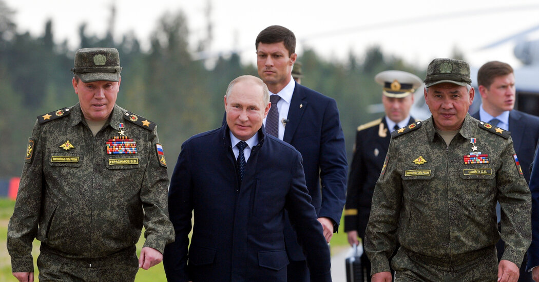 Putin in Self-Isolation After Aides Are Infected With Virus