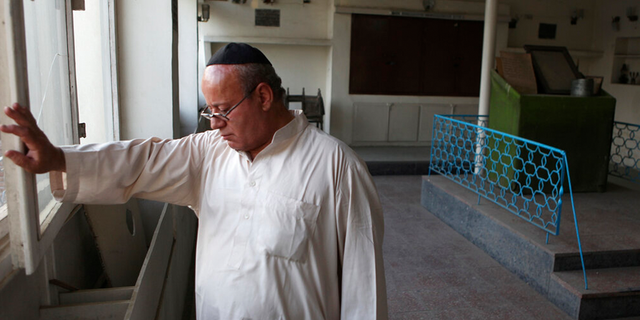 Afghanistan's last Jew leaves country after Taliban takeover