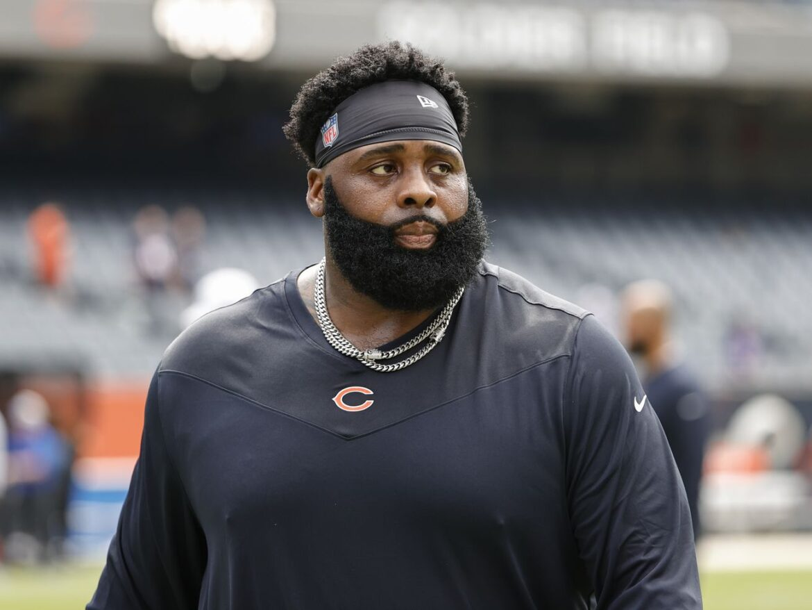 Bears' left tackle trouble continues with Larry Borom out, Jason Peters limited