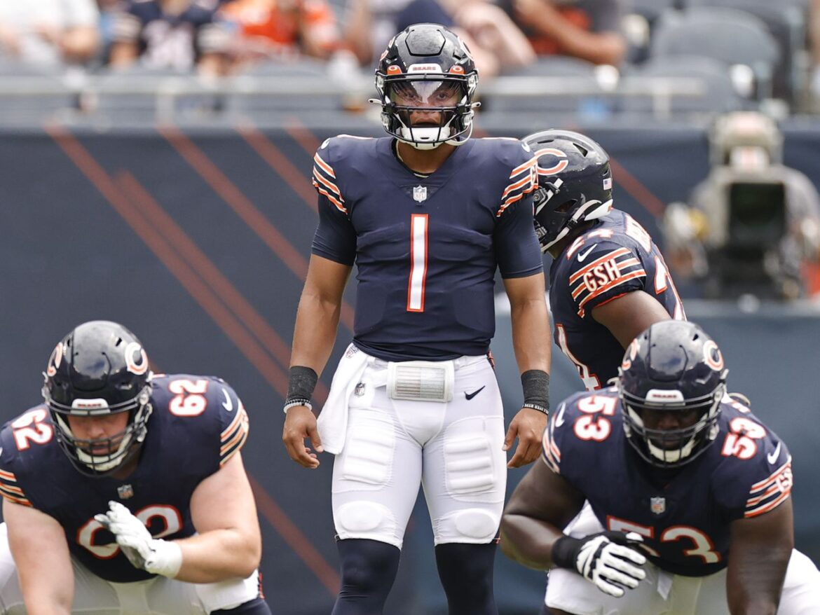 Bears QB Justin Fields fourth in NFL jersey sales since Aug. 1, ahead of Patrick Mahomes