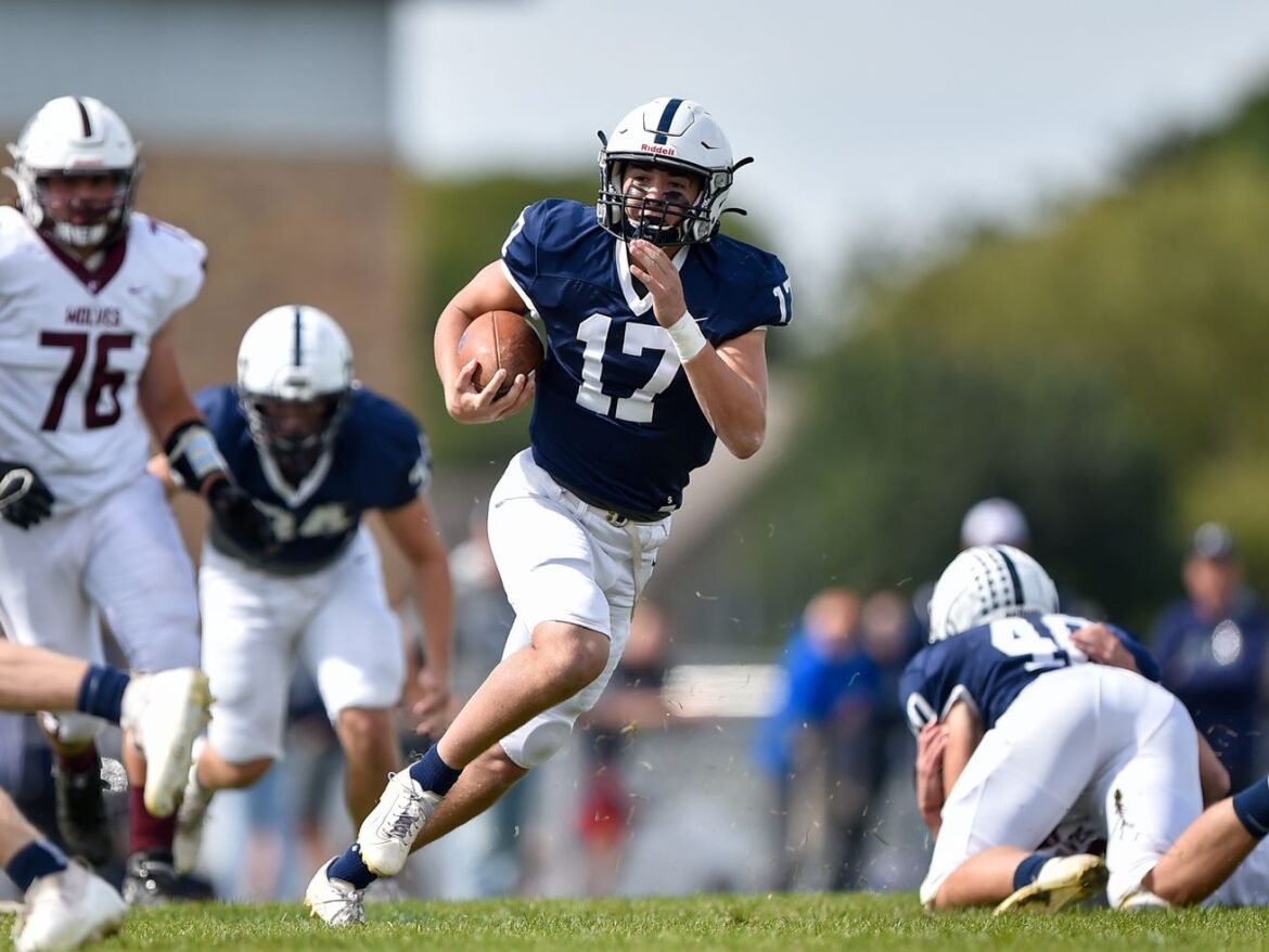 Cary-Grove sparkles, plays like 6A title contender in rout of rival Prairie Ridge