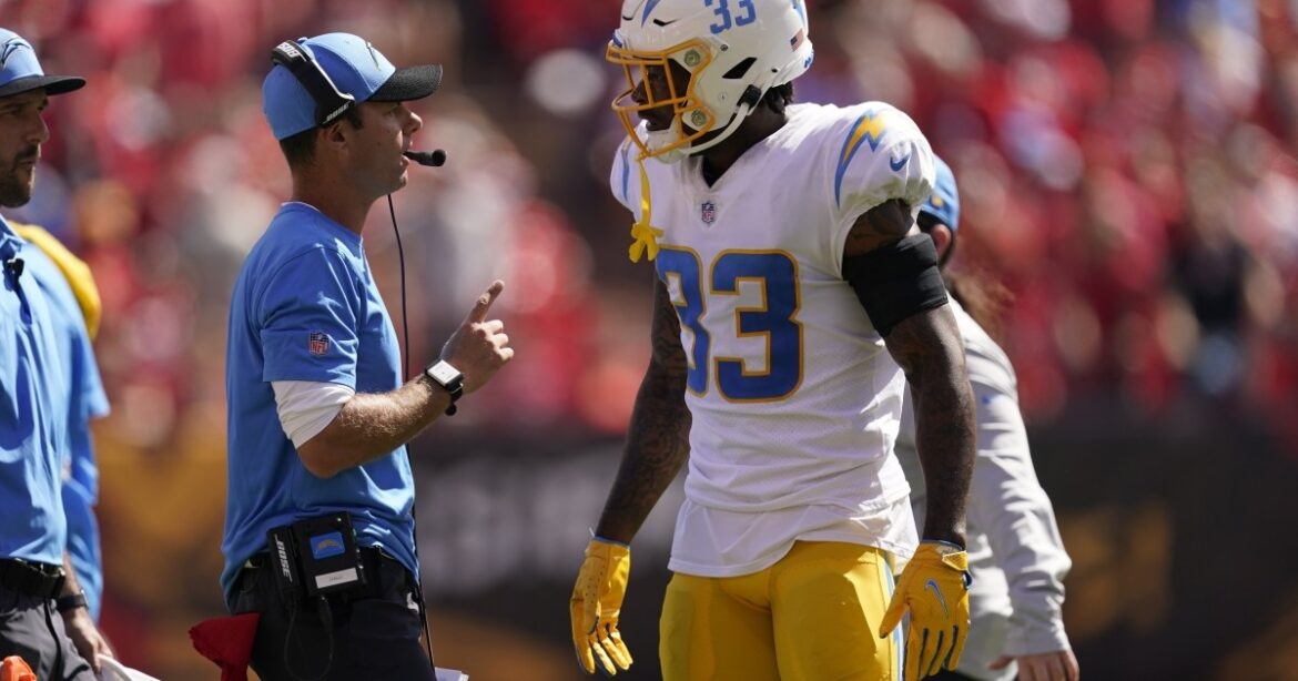 Chargers' Derwin James suffered separated shoulder against Chiefs