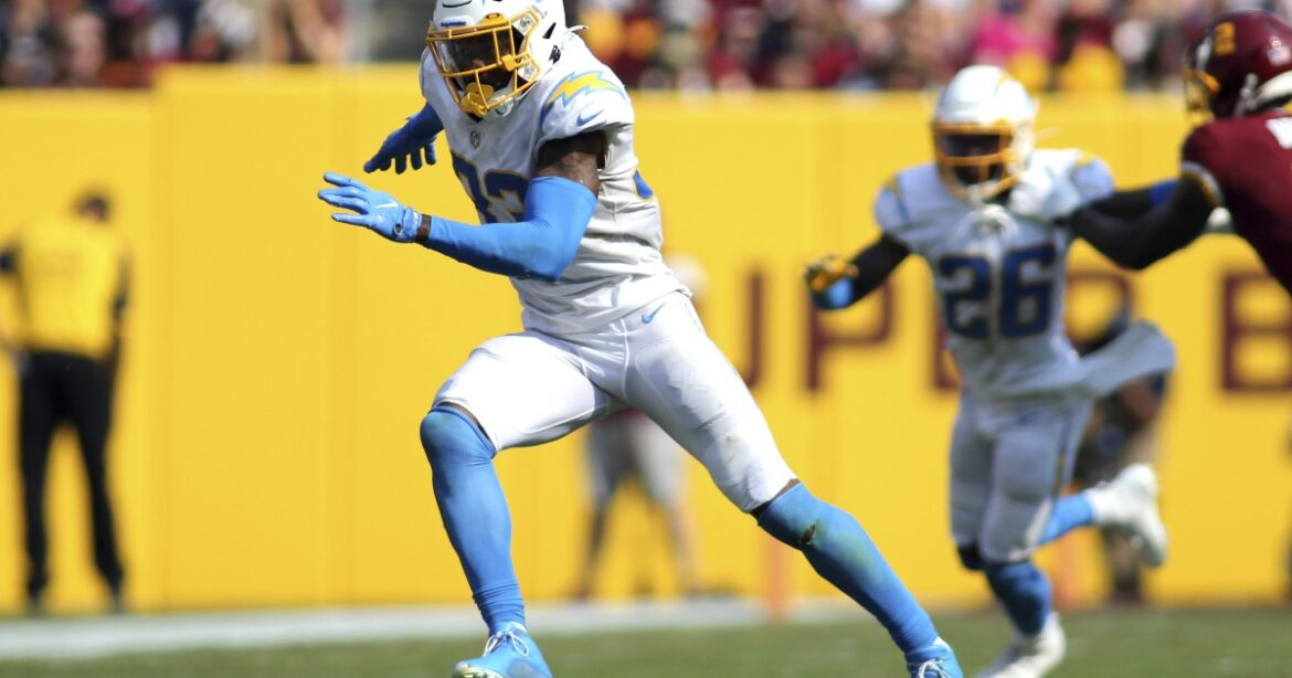 Chargers safety Derwin James Jr. misses practice because of injured toe