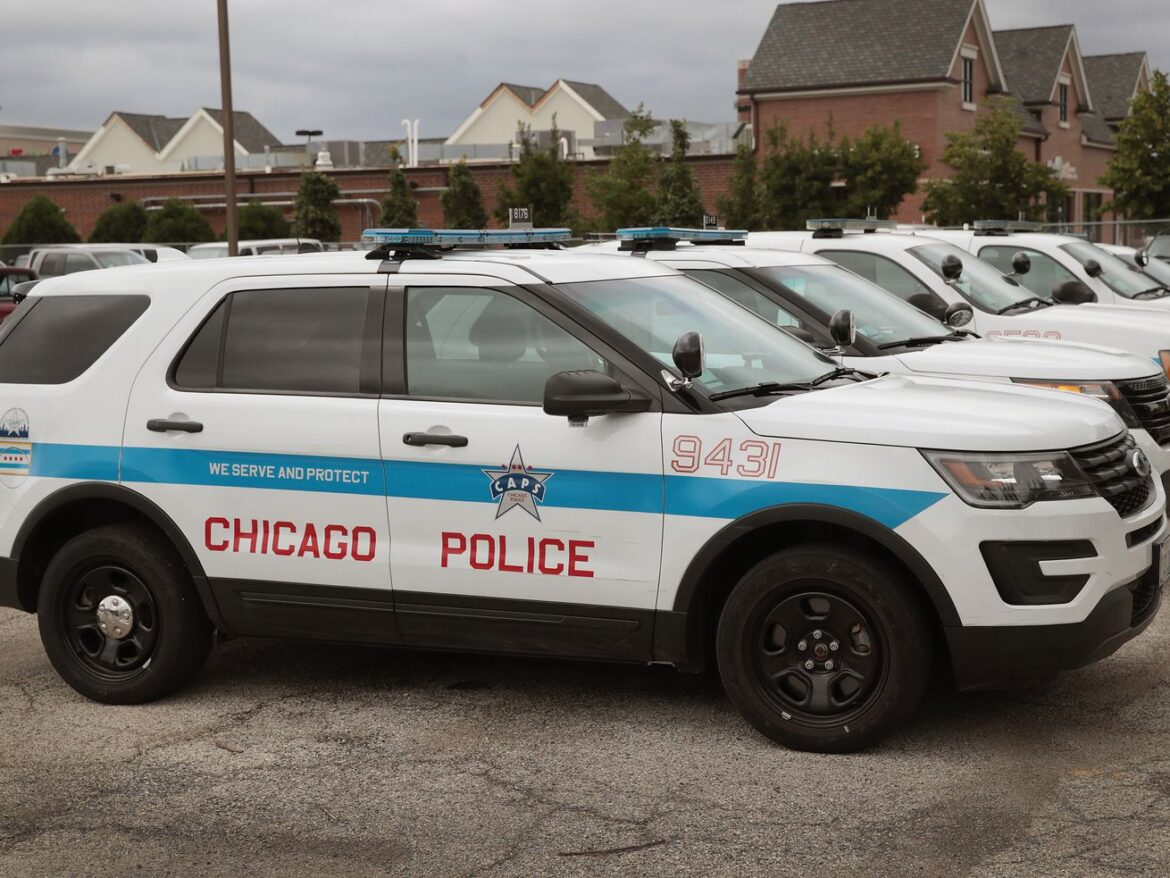Chicago police lieutenant charged with aggravated battery