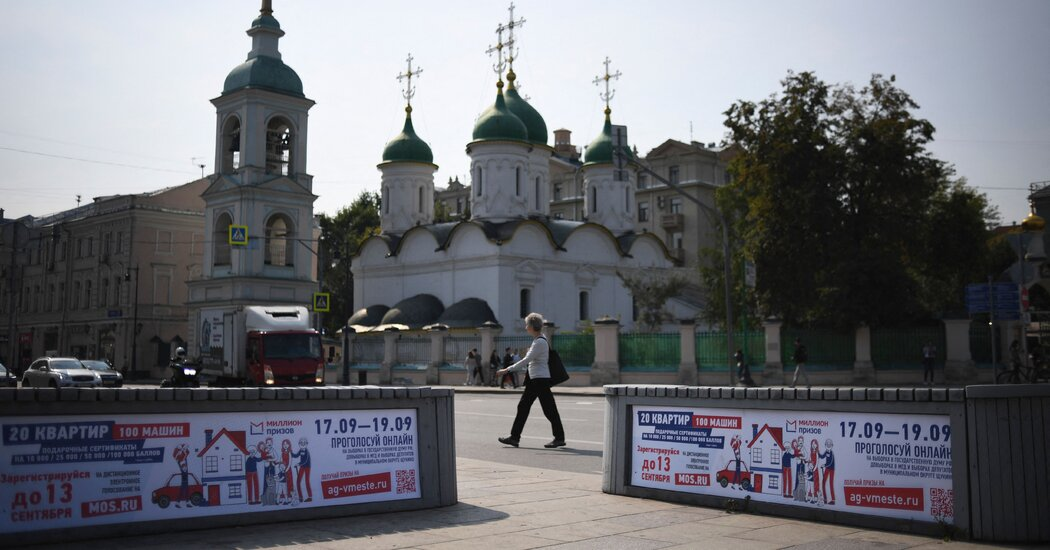 How Russian Officials 'Manage' Elections With Deceitful Tactics
