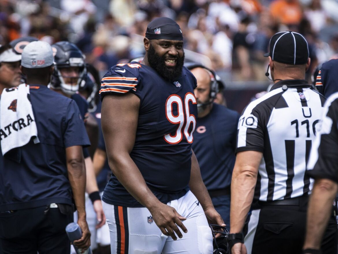 DT Akiem Hicks still hopes to retire as a Bear despite contract stalemate