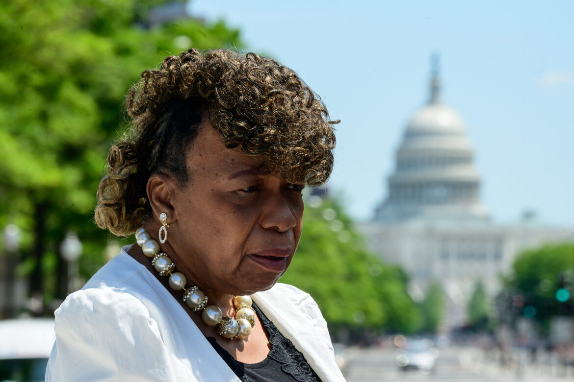 Eric Garner's Mom Says NYC Is Stonewalling Investigation Into His Death
