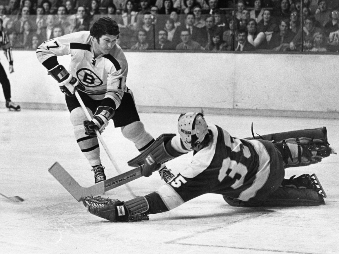 Former Bruins and Blackhawks center Fred Stanfield dies at 77