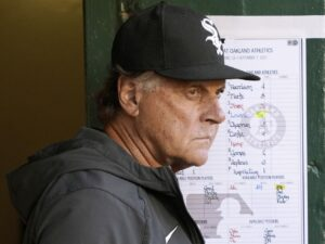 'Funky' White Sox stink up the joint in 9-3 loss to Angels. Maybe it's time to refocus?