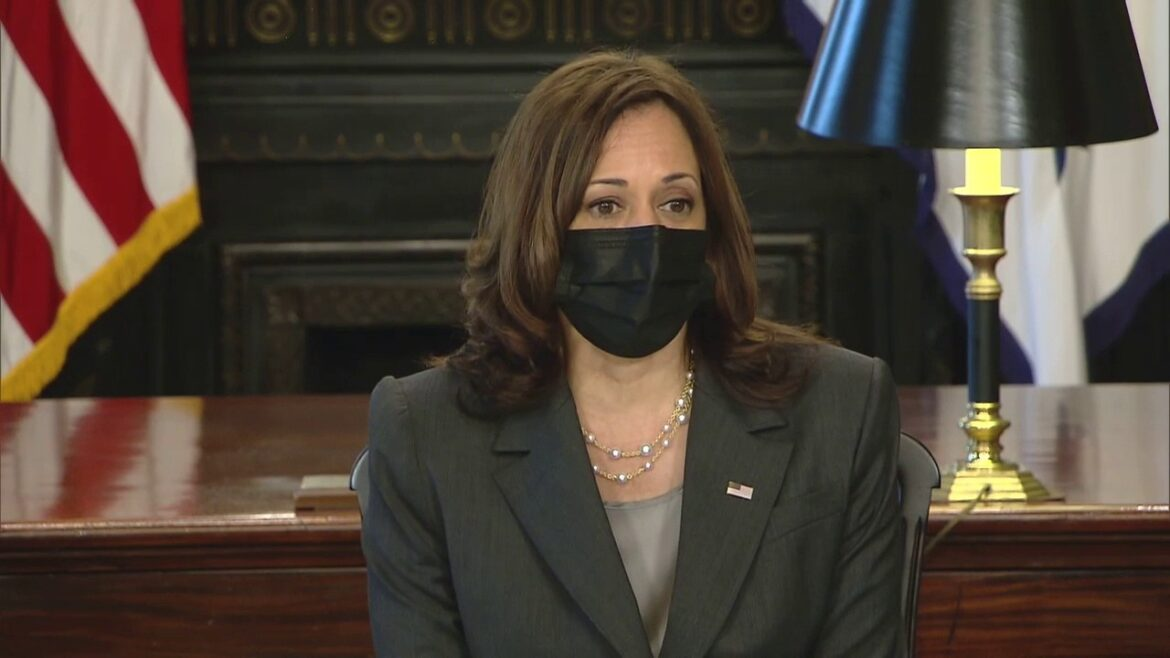 Harris started 'politicization' of COVID-19 vaccines, Christie says