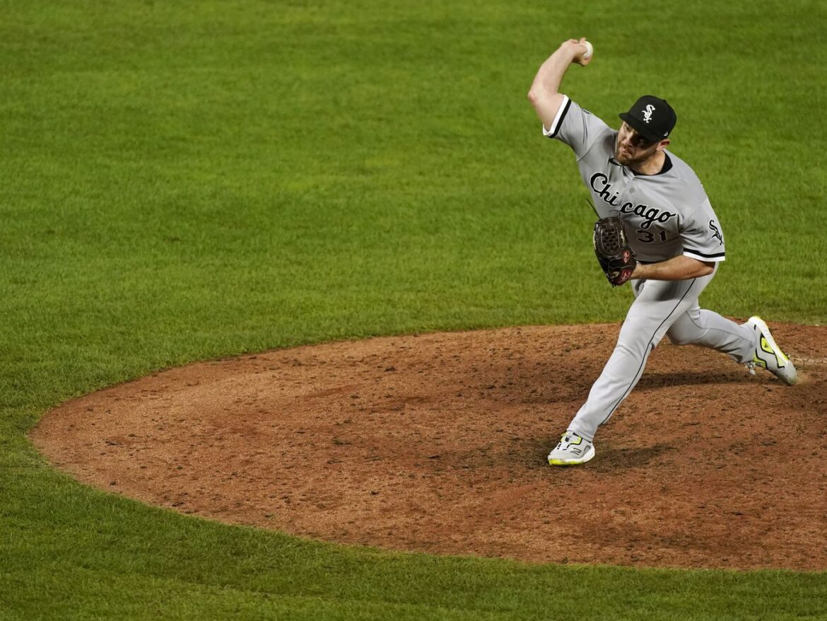 Hendriks' first season with White Sox 'not the year I envisioned for myself'