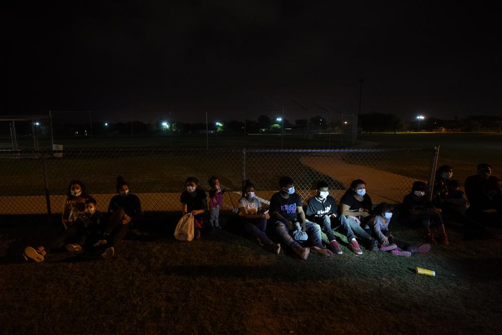 House Republicans press HHS on no-bid contracts amid claims of poor conditions at child migrant centers