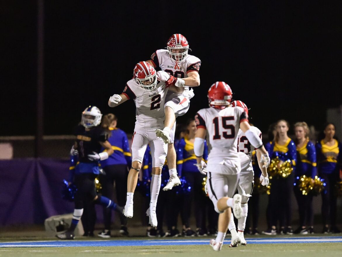 Maine South guts out defensive battle to knock off top-ranked Warren