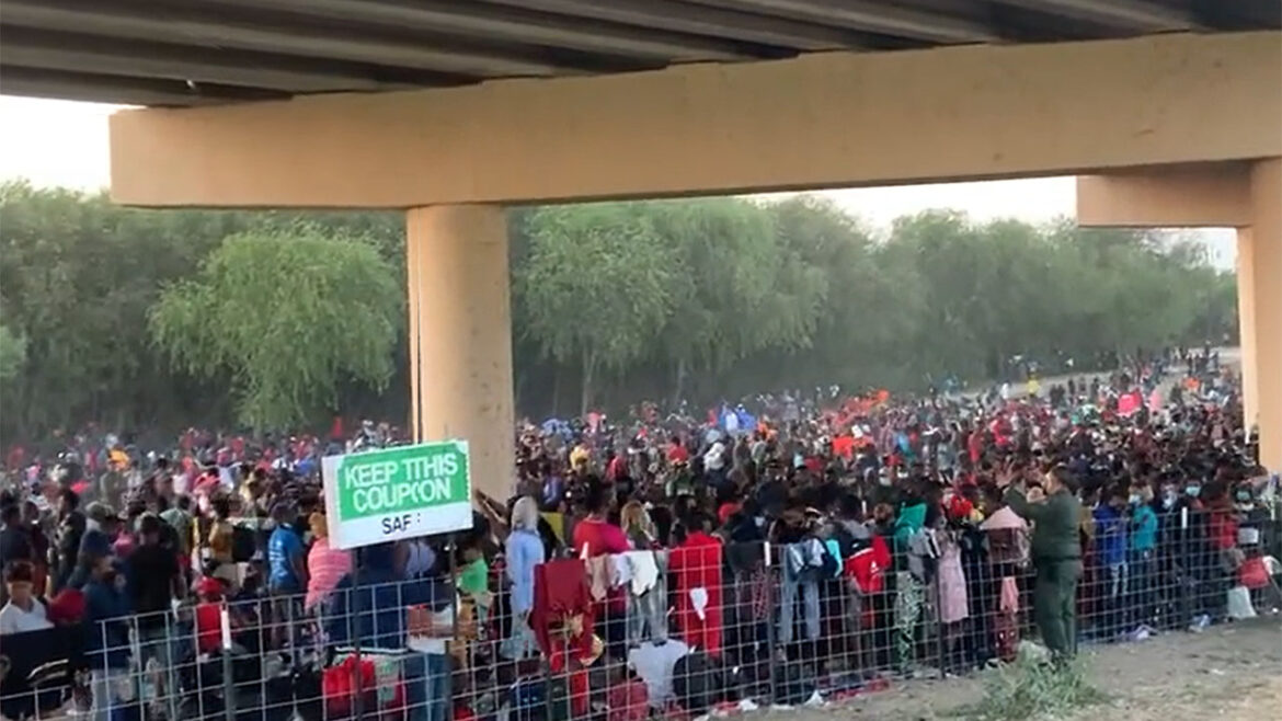 Migrant numbers under Texas bridge double to 8,000+ in 24 hours: 'Out of control'