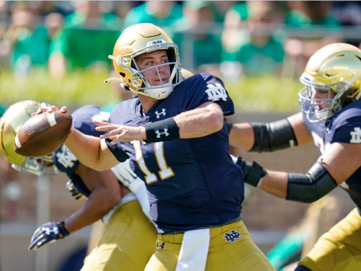 Quarterback Jack Coan faces former team when Notre Dame plays Wisconsin at Soldier Field