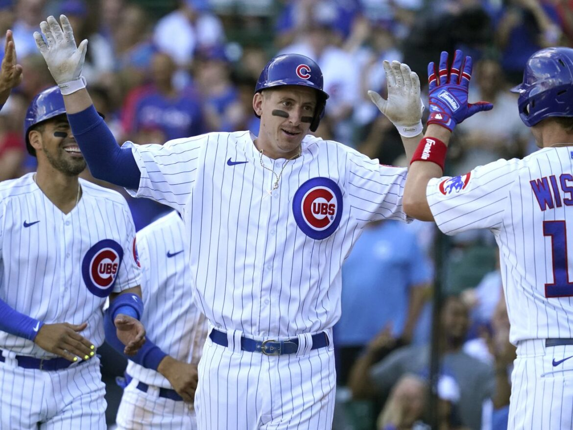 Slammin' Schwindel leads Cubs to sixth consecutive win