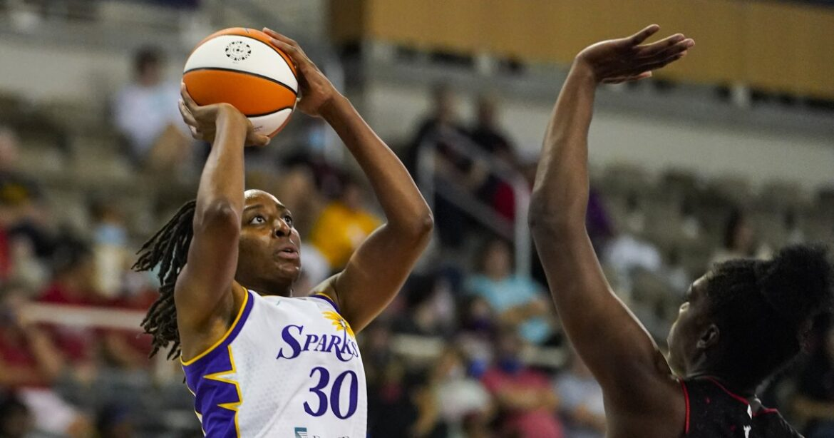Sparks out of playoffs for first time since 2011 after losing season finale to Dallas