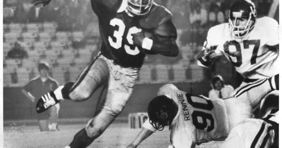 The Sports Report: USC and college football great Sam Cunningham dies at 71