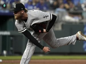 White Sox go for clincher in Cleveland