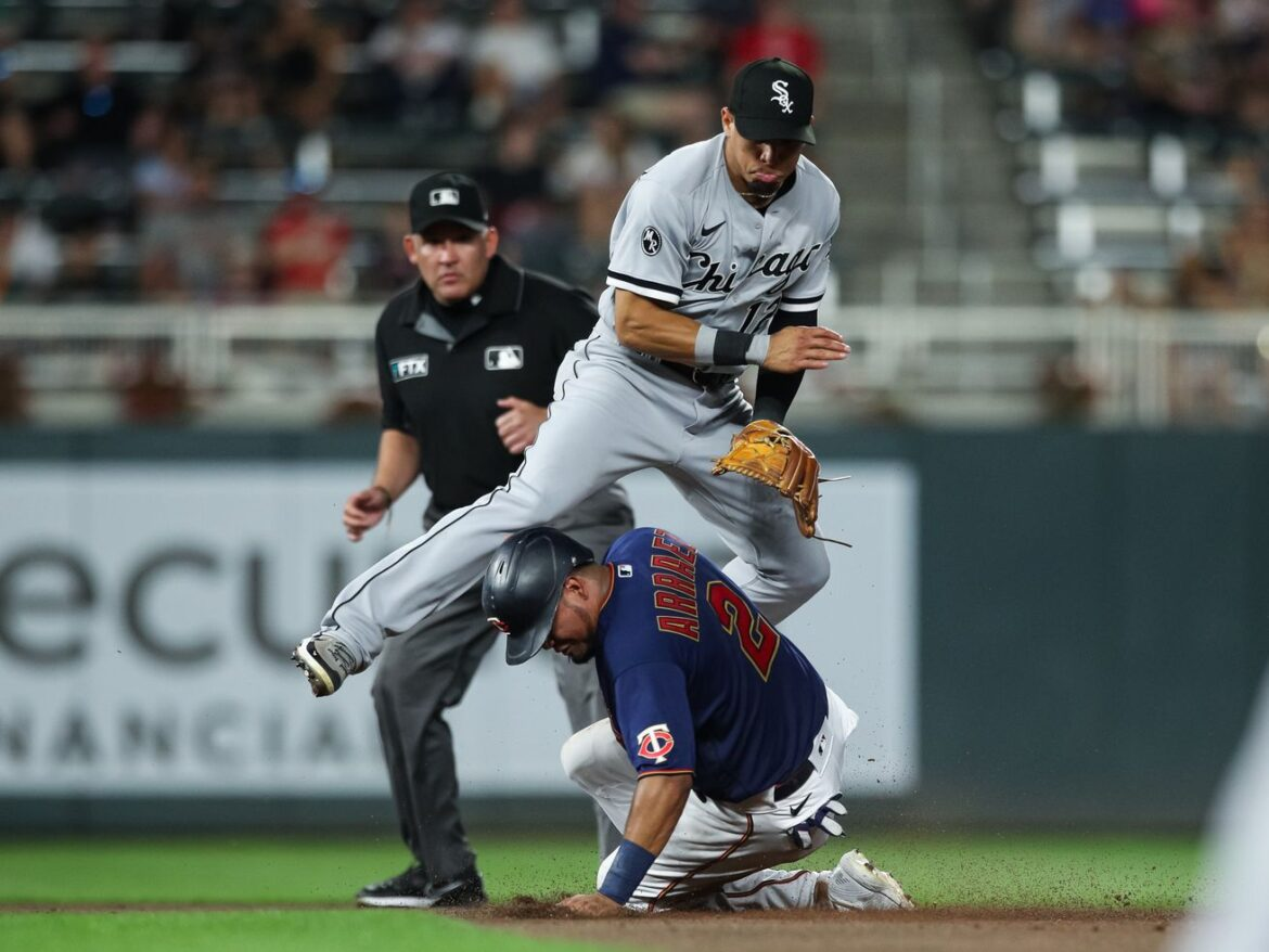 White Sox second baseman Cesar Hernandez looking to expand his comfort zone
