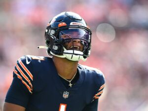 Why the Bears must keep starting Justin Fields