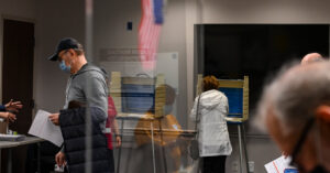 In Virginia, Early Voting Has an Impact. And a Long Run.