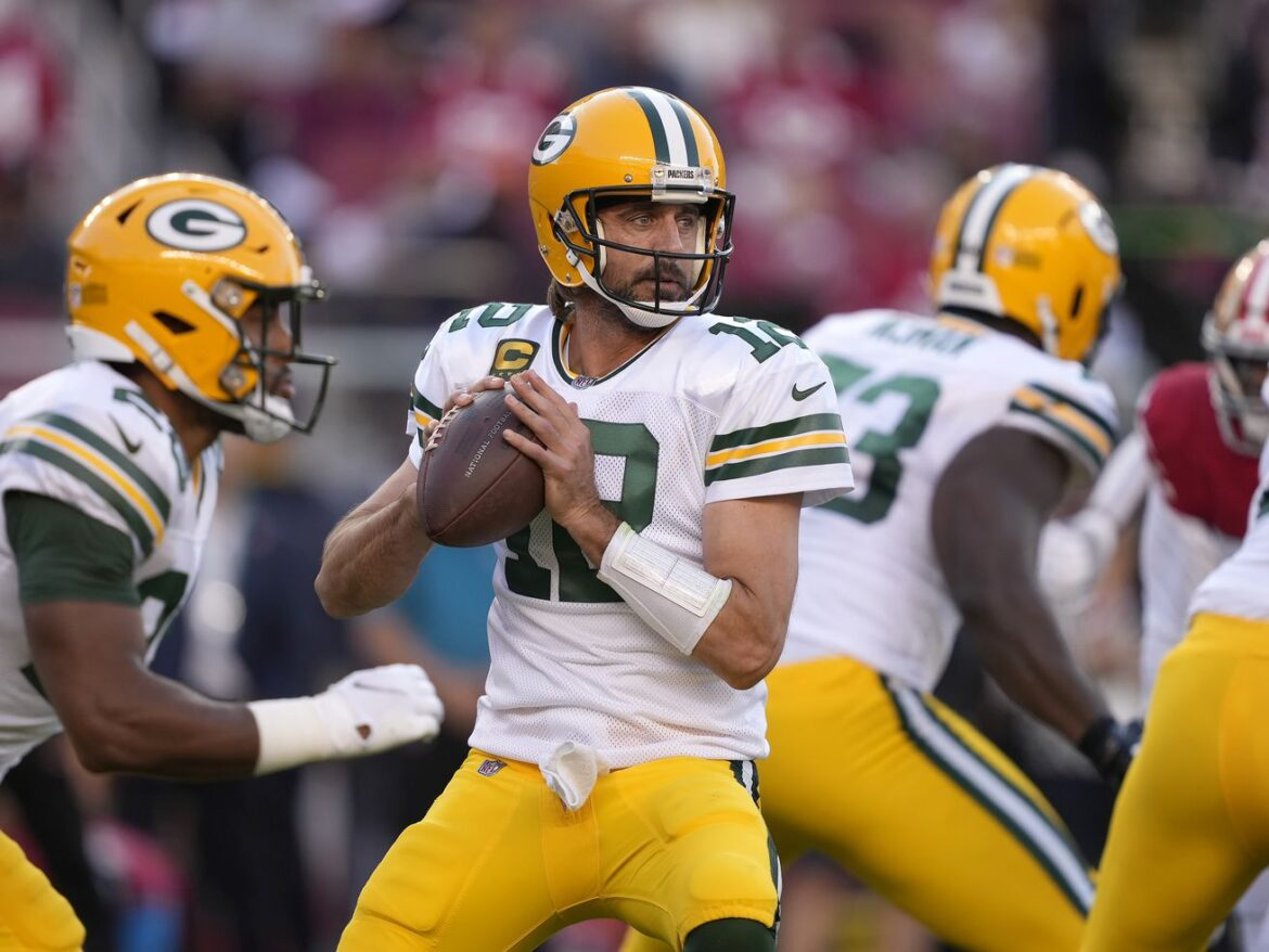 Aaron Rodgers: Bears fans will like me more when I'm done playing