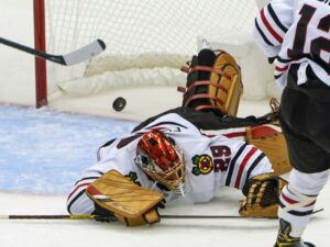 Blackhawks' disastrous opening trip ends with rout by Penguins