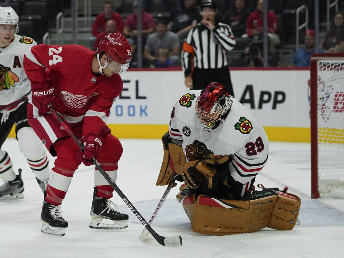 Blackhawks notebook: Marc-Andre Fleury shows off 'good instincts' in preseason victory