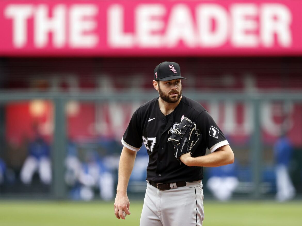 Carry on, Lucas Giolito — the White Sox need you to do the heavy lifting now