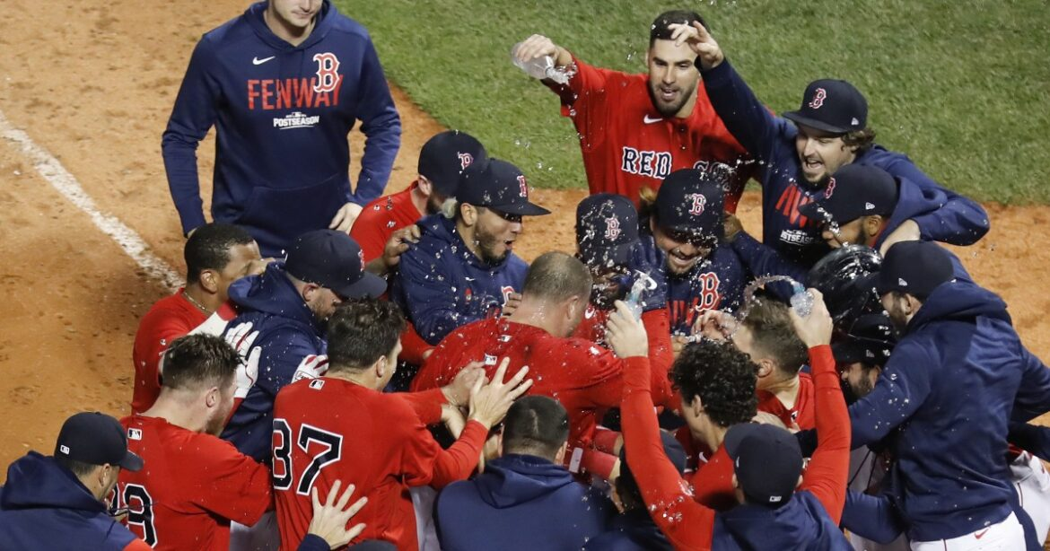 Christian Vazquez's walk-off homer in 13th lifts Red Sox over Rays in ALDS Game 3